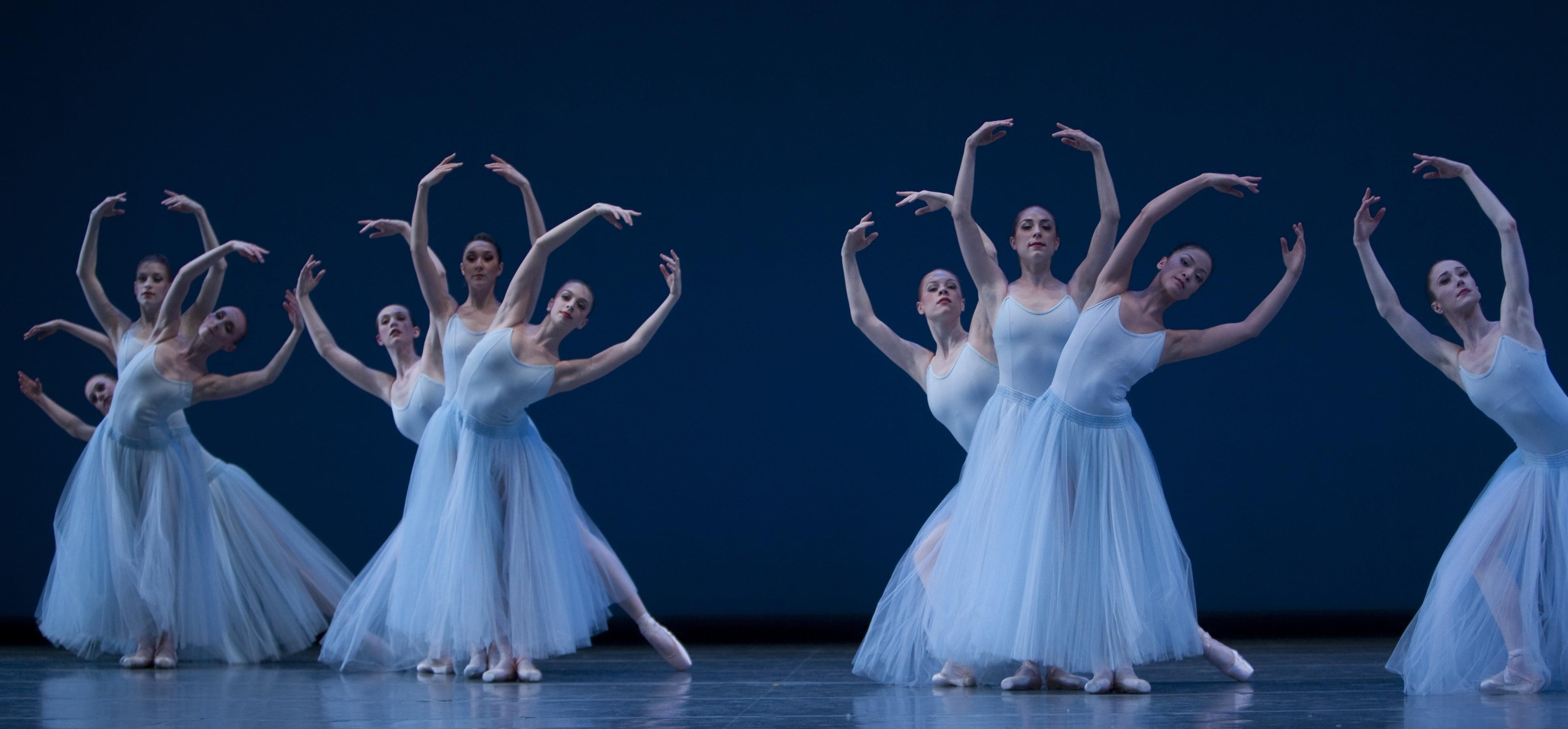 Pacific Northwest Ballet in Serenade © The Balanchine Trust, photo © Angela Sterling