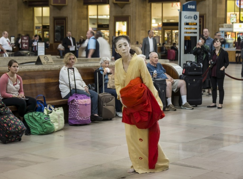 Eiko in A Body in a Station, photo © William Johnston