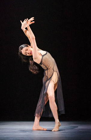 Ferri in McGregor's Woolf Works © ROH, phoo by Tristram Kenton